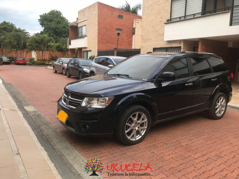 VENDO CAMIONETA DODGE JOURNEY CREW 2011