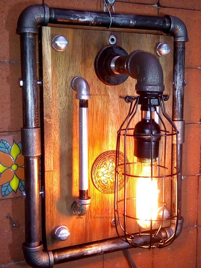 lampara en madera pino