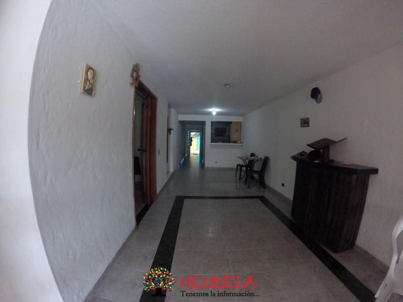 Se vende Casa Barrio la Alborada