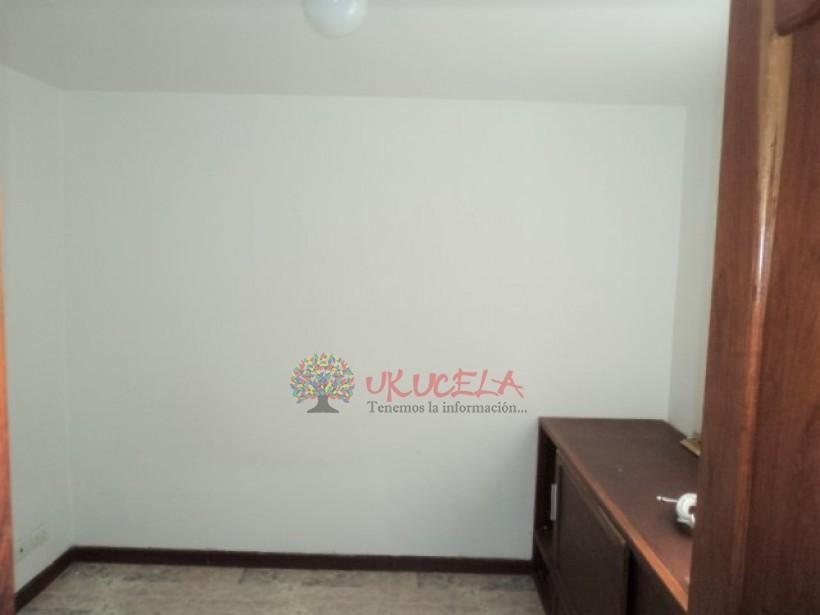 Vende casa en la Av. Alberto Mendoza