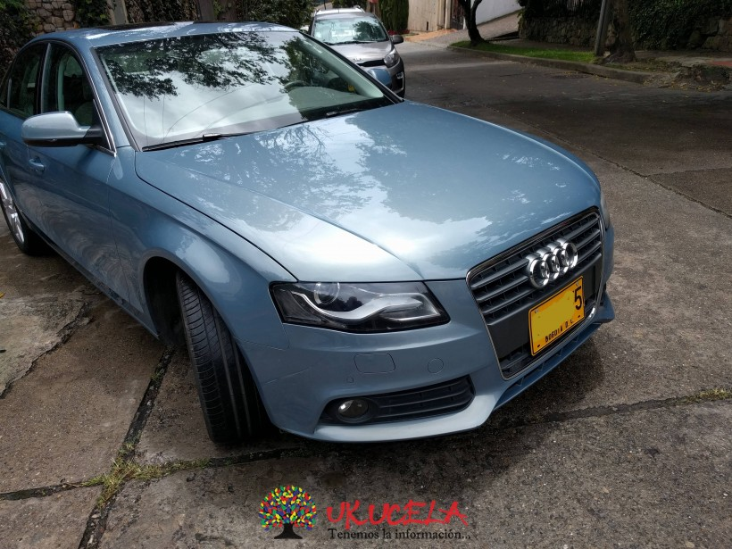 Vendo Audi A4 B8  MULTITRONIC LUXURY