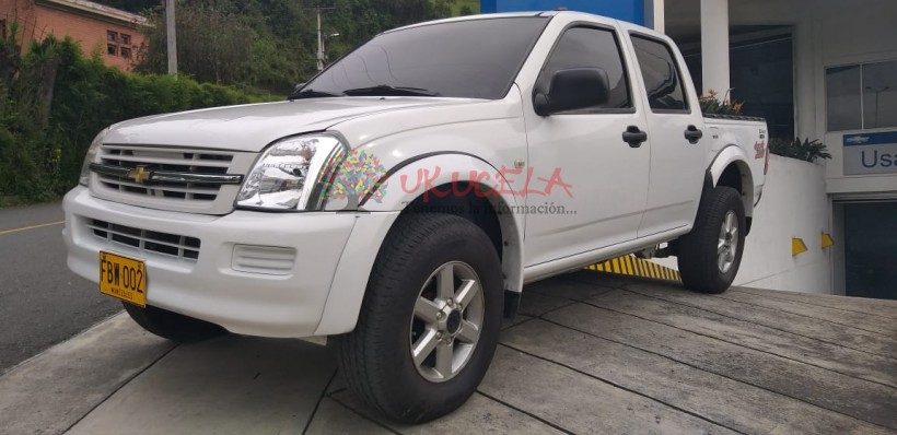 DMAX DOBLE CABINA 4X4  DIESEL SIN AIRE 2006 MANIZALES