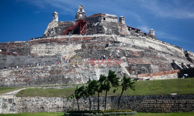 City tour histórico en Cartagena + entradas al castillo San Felipe de Barajas