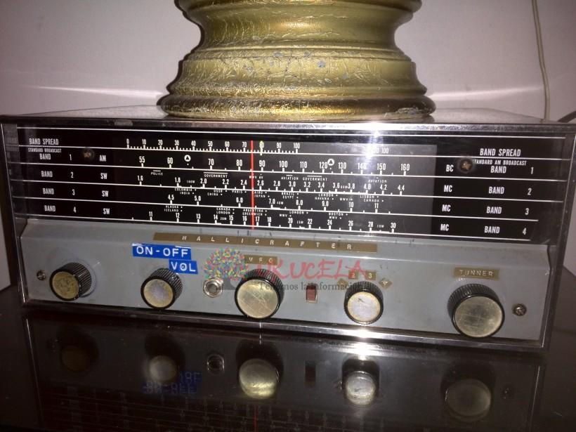 RADIO ANTIGUO HALLICRAFTER  de 1962 funcionando. VENPERMUTO
