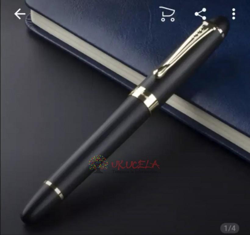 Bolígrafo metálico de lujo.
